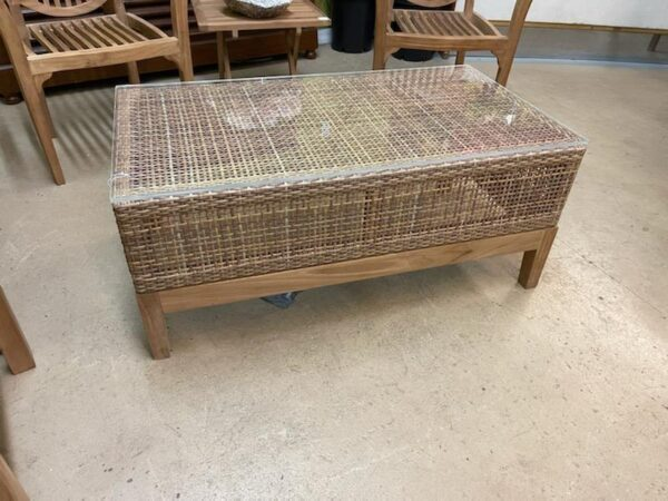 Whitloy Coffee Table