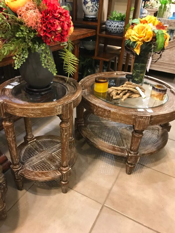Round Coffee Table - Pecan
