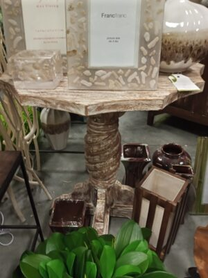 Scallop Side Table - White Wash